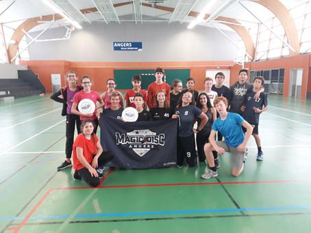 Stage d'Ultimate Frisbee à Angers pendant les vacances scolaires