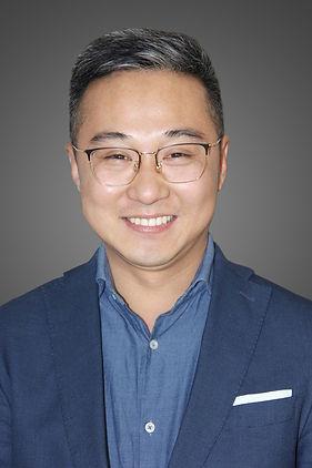Yushuo Glass CEO.jpg