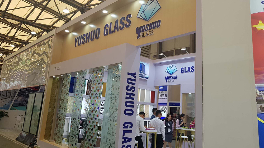 Yushuo Glass exhibit all it´s decorative and project glass line of products
