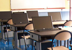 Salle informatique ovaly double