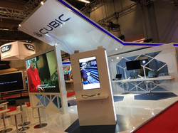Cubic exhibition stand builder