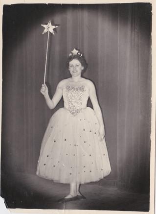 1958 Old Women (14).jpg