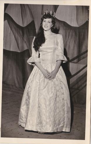 1965 Old Women (53).jpg