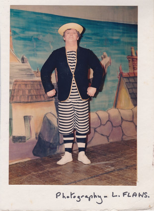 1988 Robinson Crusoe (23).jpg