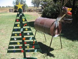 Christmas Tree & Reindeer