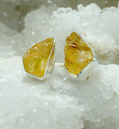 INDIAN RAW CRYSTAL STUDS