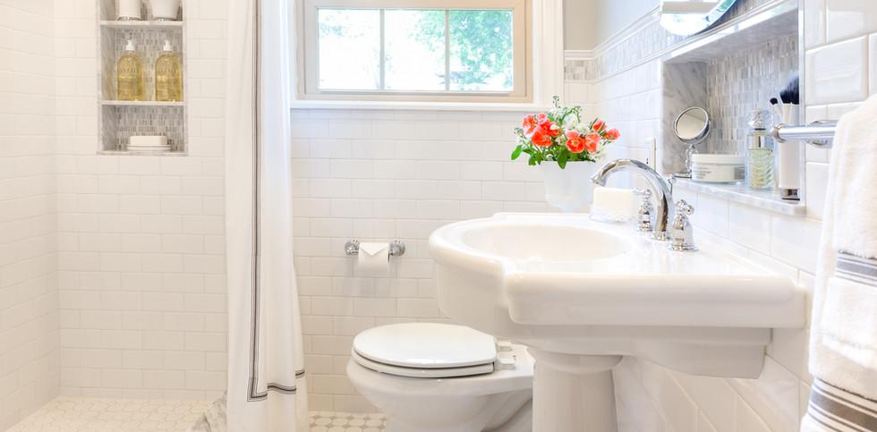 Heights Retro Bath