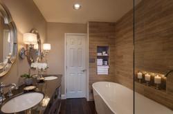 Royal Oaks Guest Bath