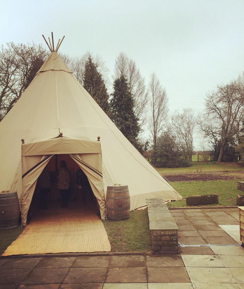 Single Tipi Porch at The Inn South Stainley