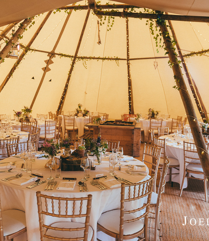 Round Tables and Chiavari Chairs