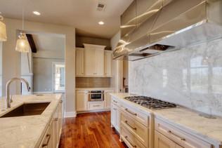 10.kitchen.jpg
