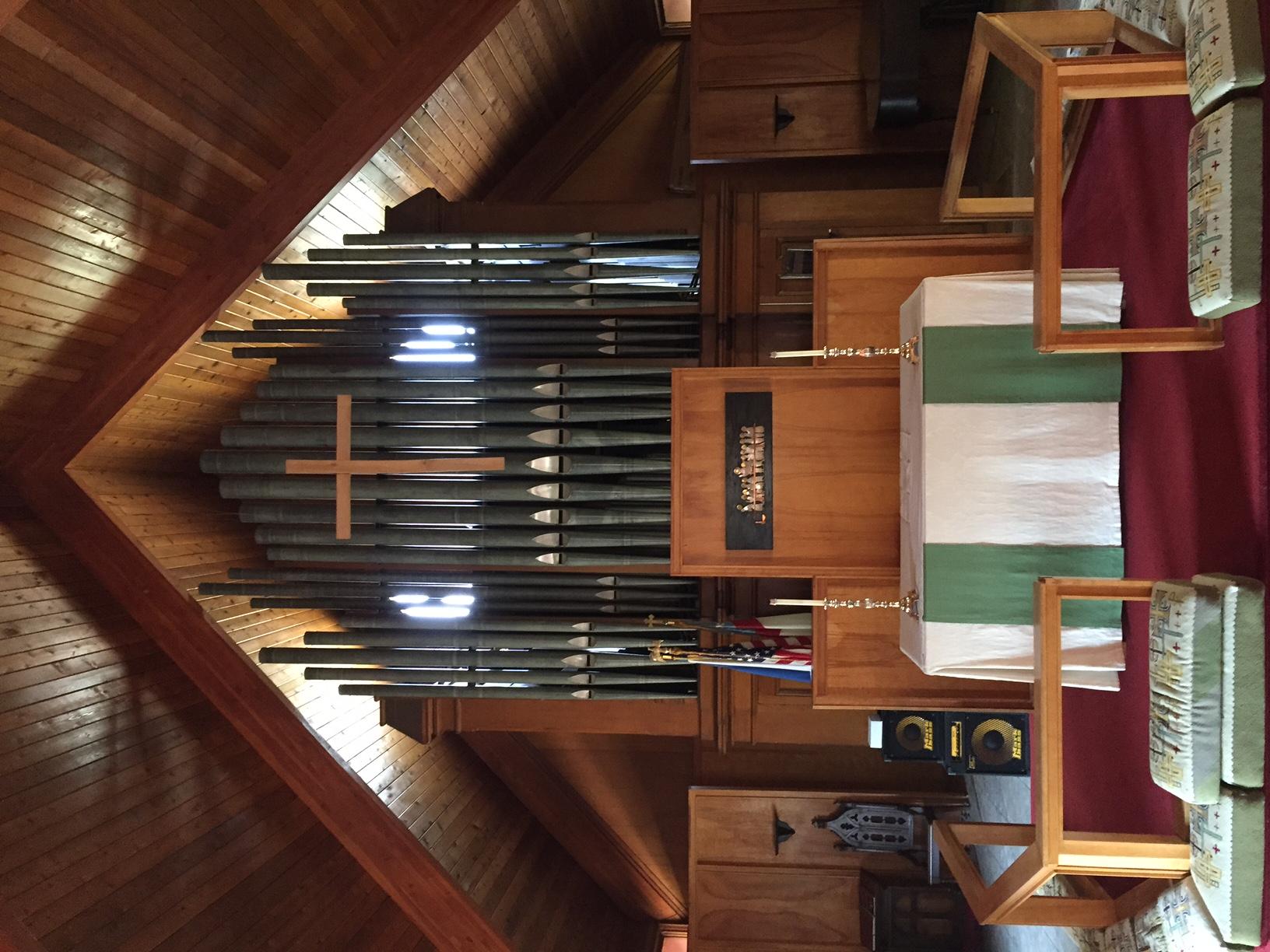 interior_altar-organ