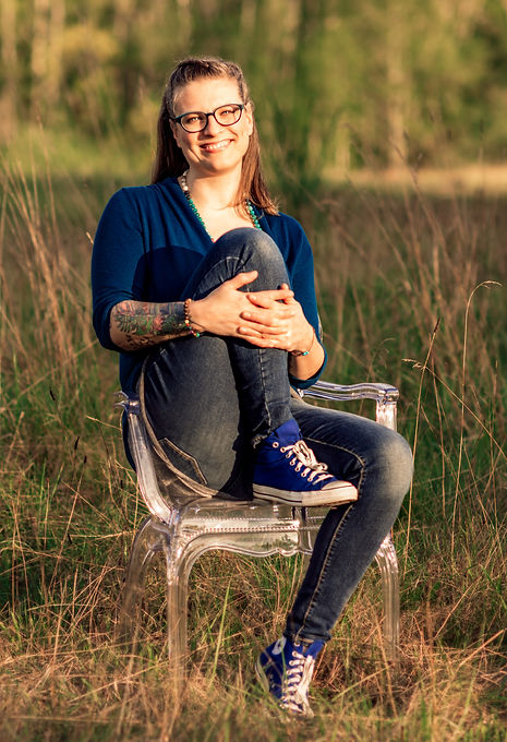 Angie_doula_midwife_kitsap_county_headsh