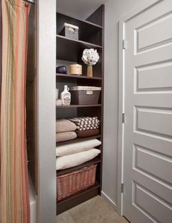 Chocolate Pear Linen Bath Shelves