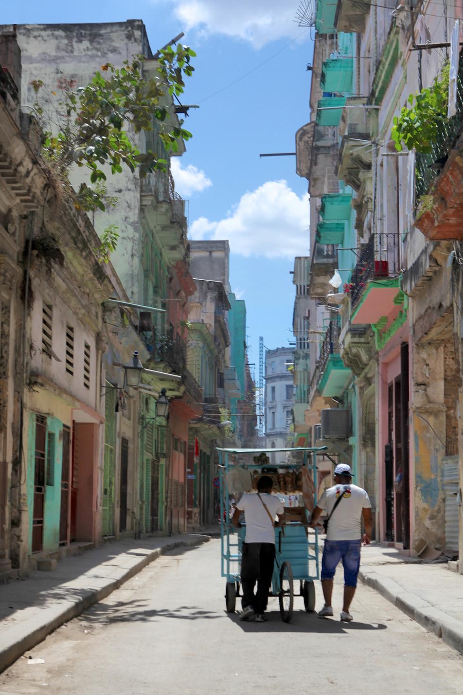La Habana Fruit Cart