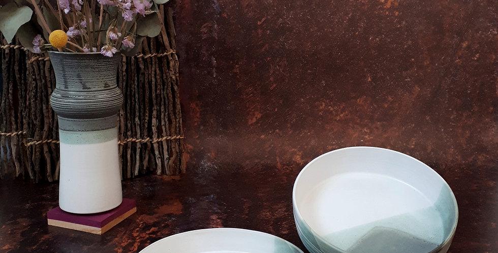 ASSIETTE ECUELLE | grès blanc et émaux gris/vert et blanc pur
