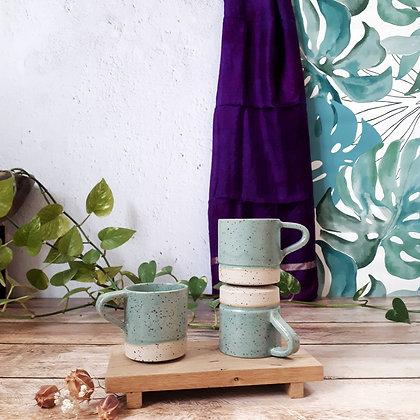 TASSE A CAFE AVEC ANSE   vert feuille