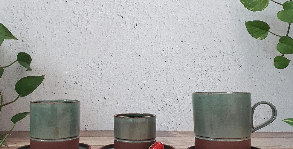 SOUS-TASSE | grès rouge et émaux vert feuille