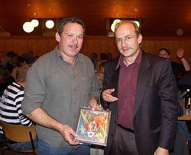 Neuehrenmitglied Ueli Siegrist Ueli Siegrist zusammen mit Präsident Ruedi Dürig
