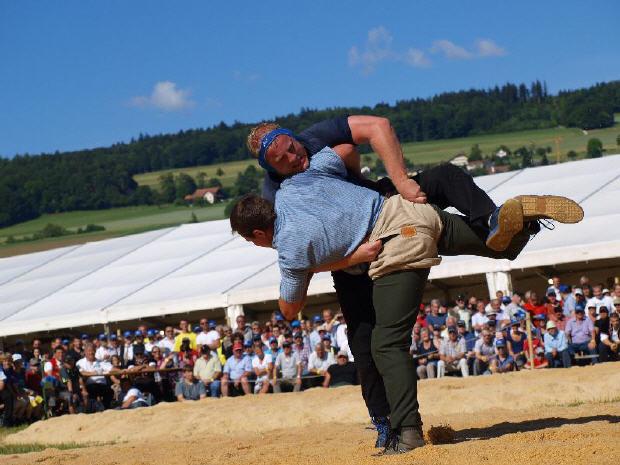 Aarg_Kantonalschwingfest_2011 (6).jpg