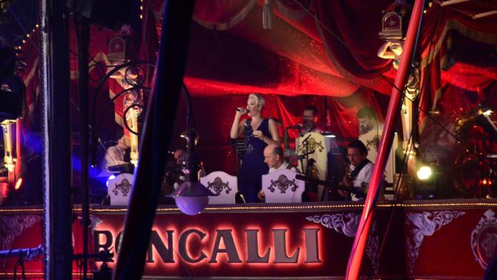 """Jubiläumstournee """"Reise zum Regenboben"""" 40 Jahre Circus Roncalli"""