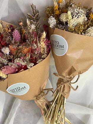 Arranjo com flores preservadas e/ou secas