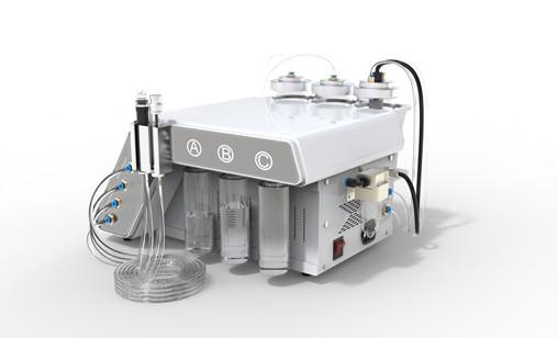 Hydrofacial Geräts mit Wassertanks