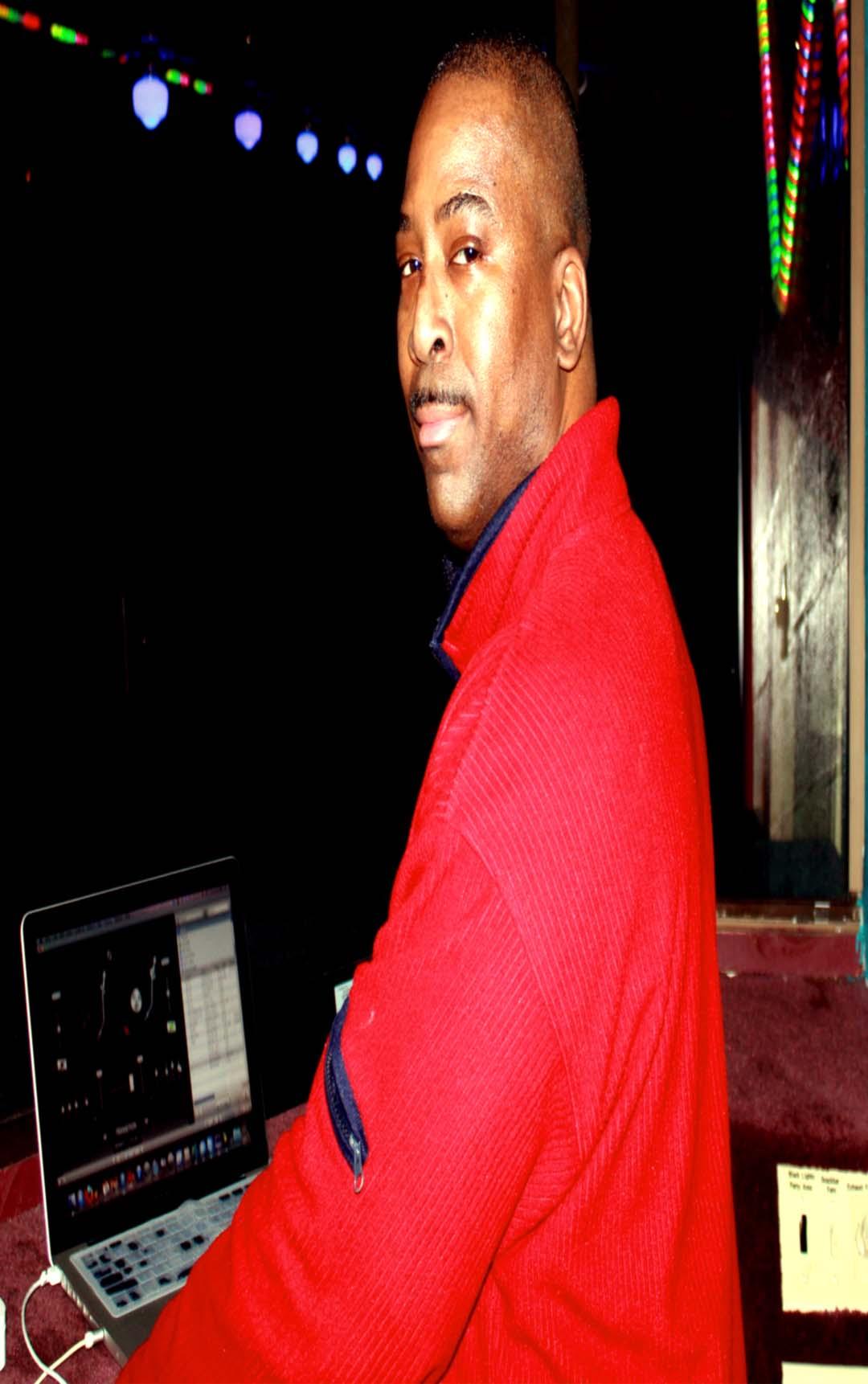 DJ Ronnie Ron
