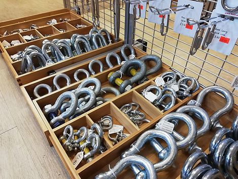 Galvanised shackles.jpg