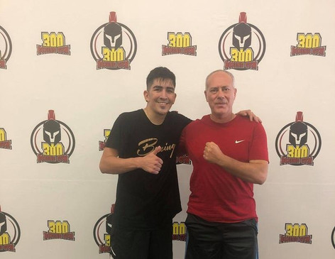 Leo Santa Cruz starts camp for Davis fight at 300 Boxing Gym (video)