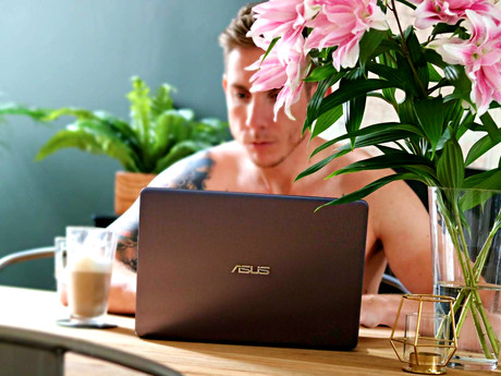 TECH IN STYLE: ASUS VIVOBOOK S