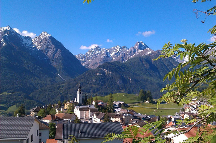 Visiting a remote swiss village (and friend)