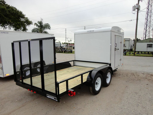 Hybrid enclosed/open trailer