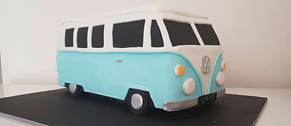 A VoltsWagon Kombi Van Cake for a very lucky birthday boy! VW Kombi Cake