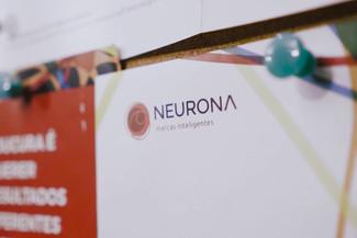 QG Neurona