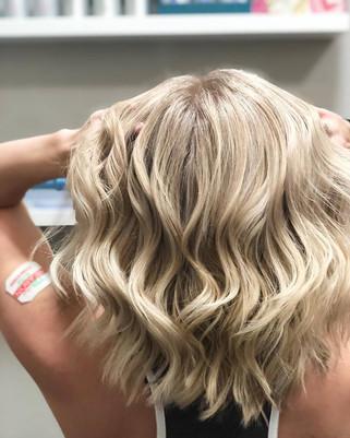 kristen blonde.jpg