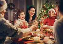 Bild Weihnachten Front Familie.jpg