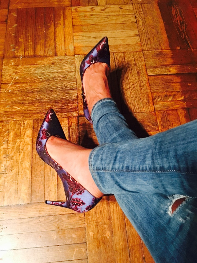 Tales from the Single Relationship Expert: Flat Belly Tea and Stilettos