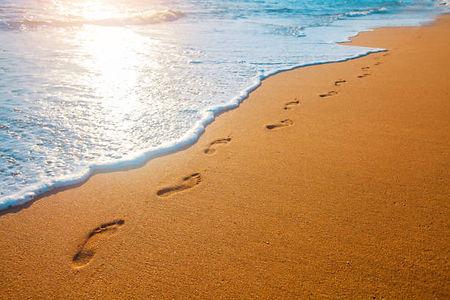 footprint sand.jpg