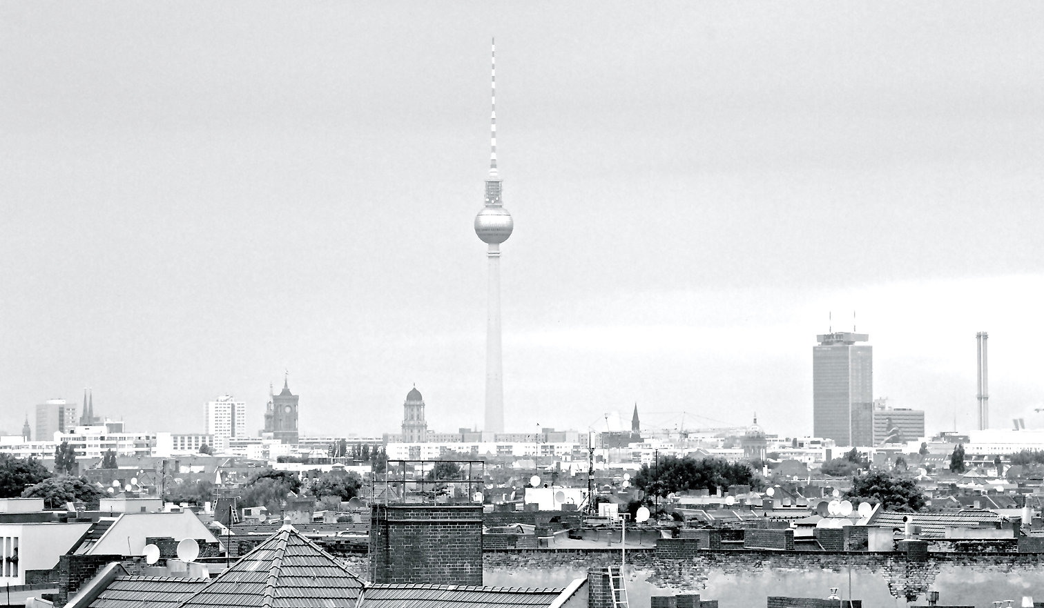 Berlin, Fernsehturm, Streetphotography, TV-Tower, Alex, Vogelperspektive, Kreuzberg, Black and White Photography, B/W