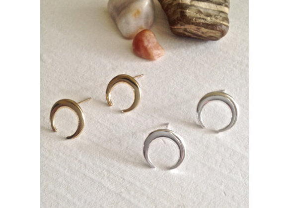 Hanwi Crescent Horn Studs In Silver