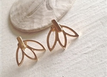 Frond Stud Earring With Palm Frond Jacket In Gold