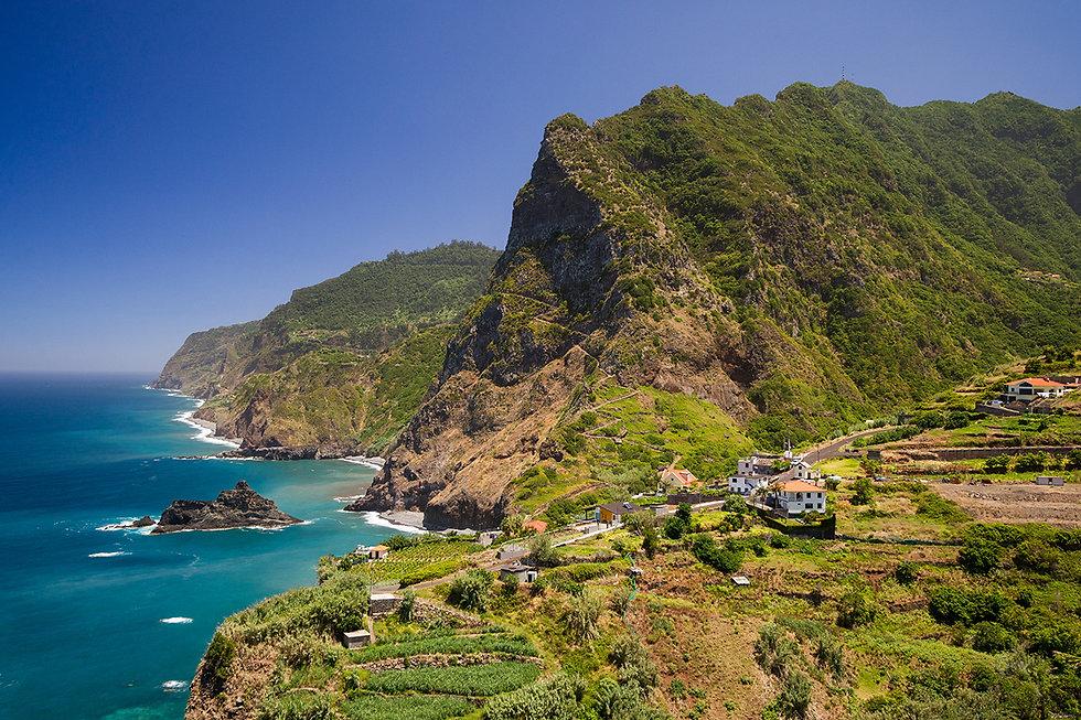 green-cliffs-of-Ponta-Delgada-on-Madeira