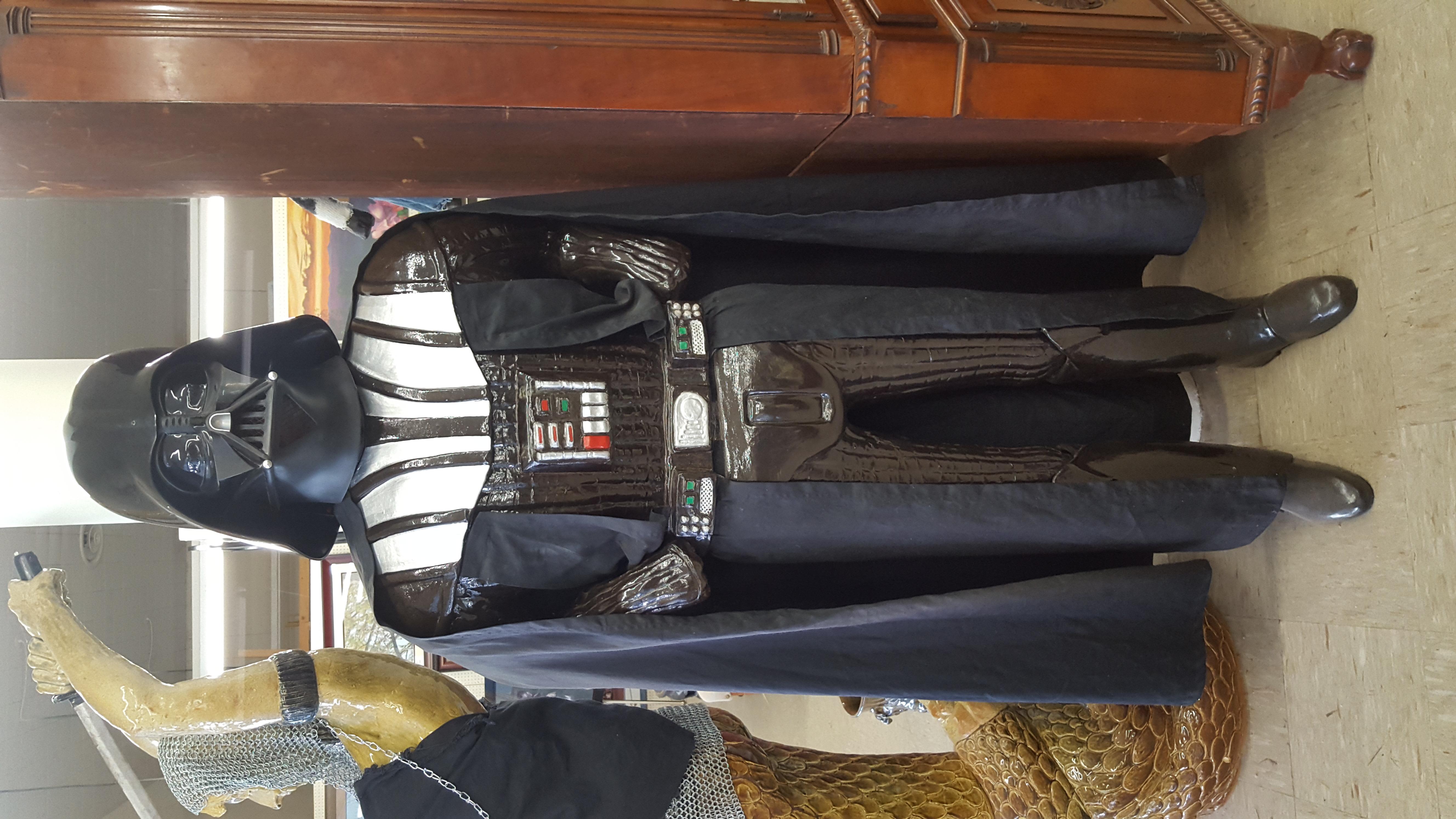Darth Vader Pottery Statue (1)