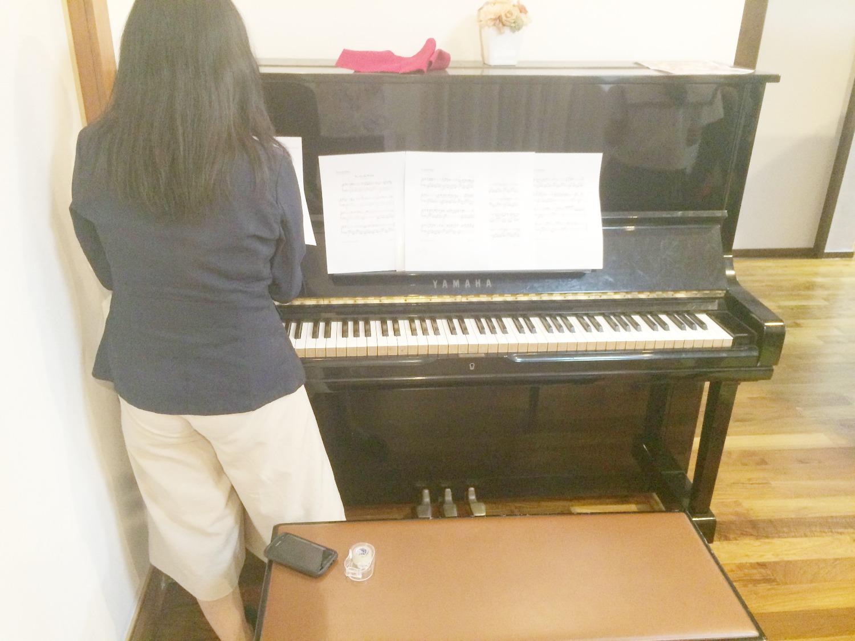 沖縄、シェアハウス、サクラ、ピアノ