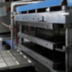 Thermoset - Bladder Molding | AIM Aerospace