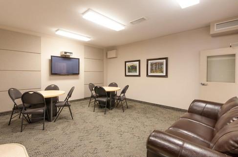 Niakwa - Lounge 1 (1).jpg