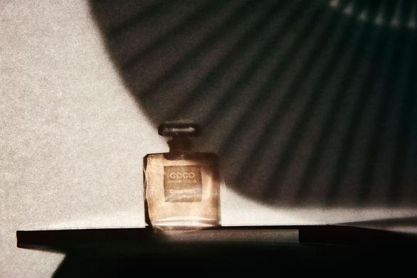Amelie Ambroise - Parfum Story Chanel