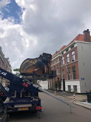 Vleugel vervoer naar eerste verdieping