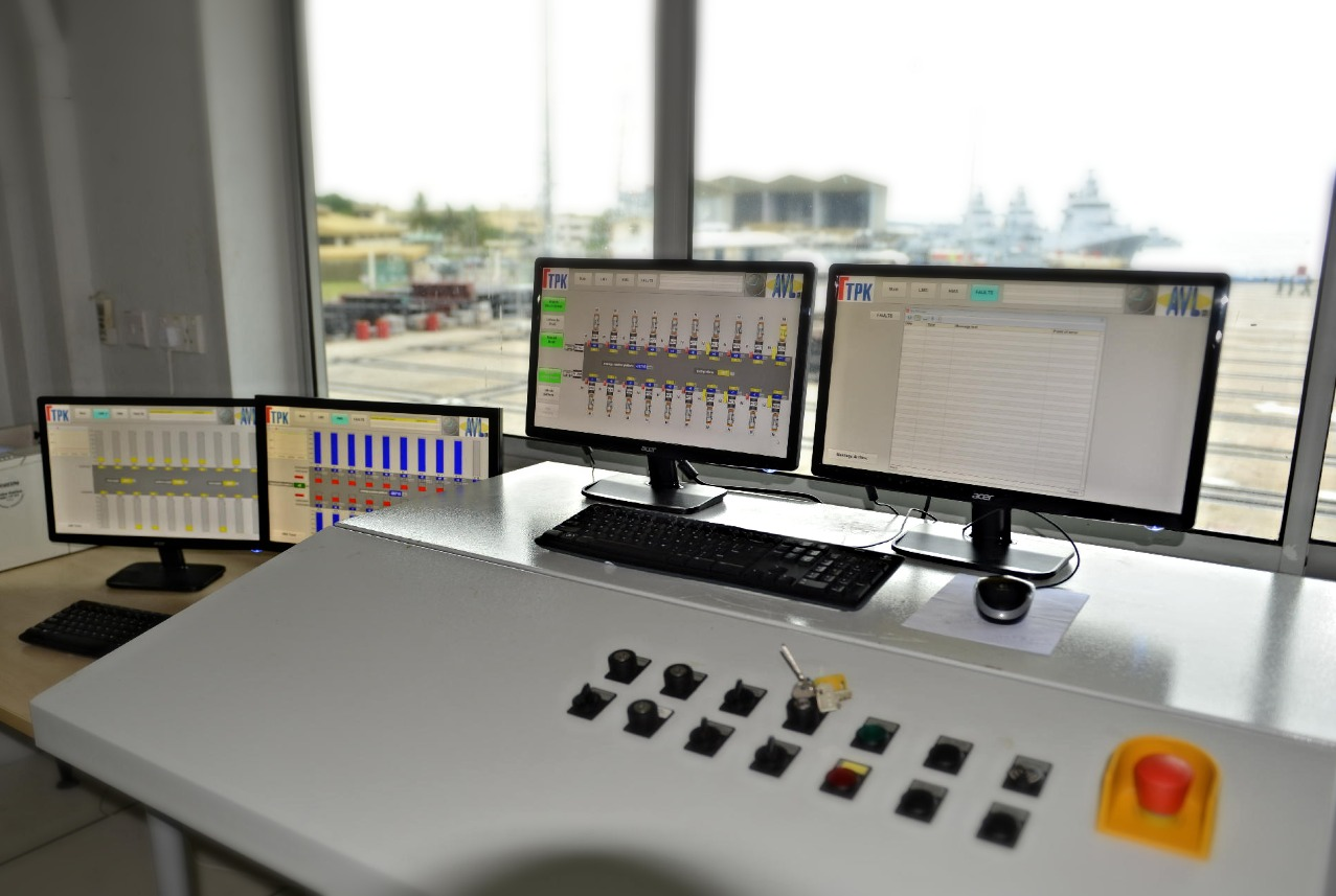 Shiplift-Control Desk
